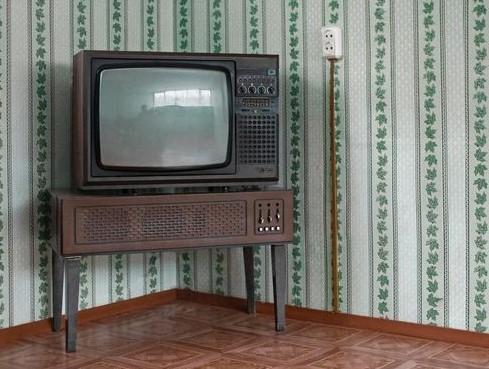 Старая модель телевизора